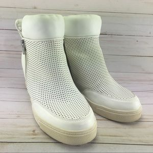 Mossimo White boots Size 11